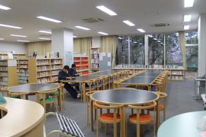 図書室のようす①